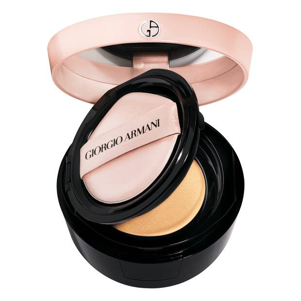 My Armani To Go Tone-Up Base Cushion efecto húmedo